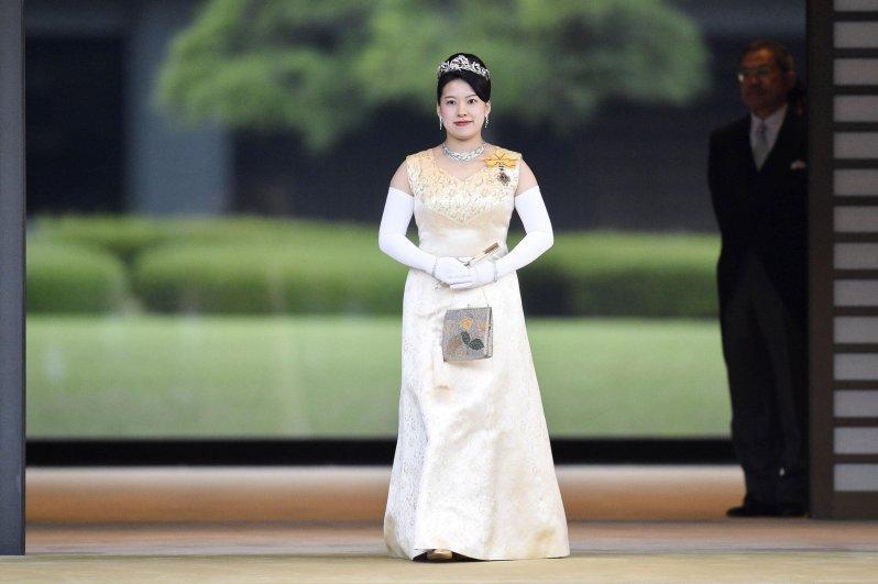 Ayako von Japan ist zum ersten Mal Mutter geworden. Sie ist die Tochter von  Prinzessin Hisako  und Prinz Norihito (†47), dem verstorbenen Cousin von Alt-Kaiser Akihito  © picture alliance/MAXPPP