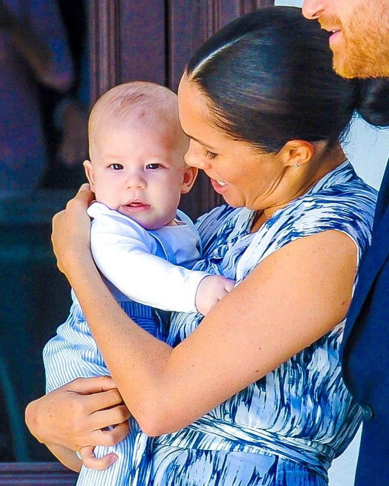 Archie Harrison wurde am 6. Mai 2019 geboren. Sollte Herzogin Meghan bereits im dritten Monat schwanger sein oder eine Frühgeburt haben, könnten es irische Zwillinge werden.  © picture alliance