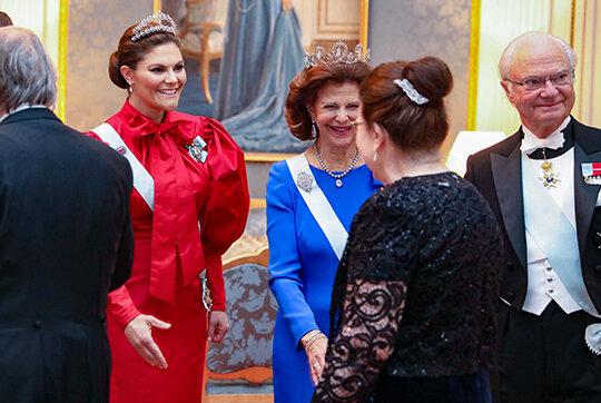 Kronprinzessin Victoria und die Königsfamilie begrüßten die Gäste im Schloss.  © Sara Friberg, Kungl. Royal Court