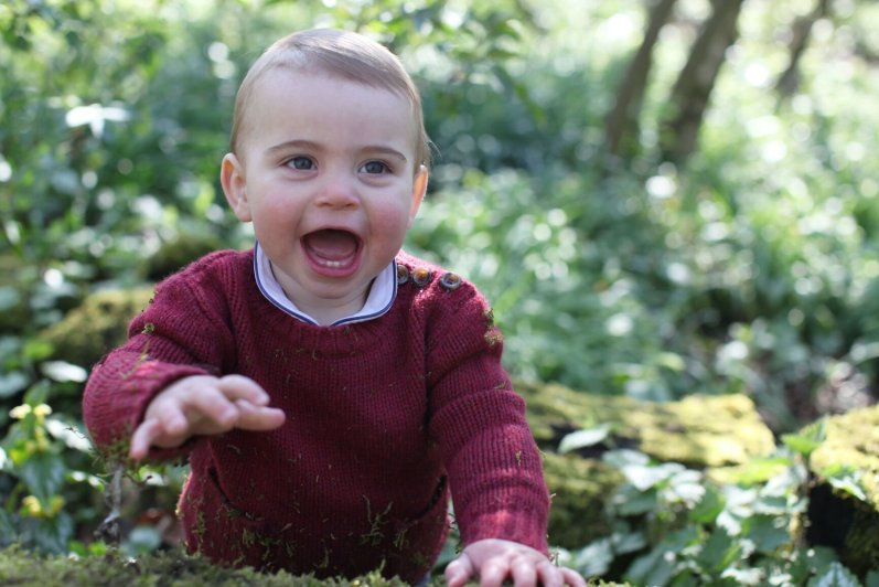 Prinz Louis wurde am 23. April 2018 geboren. Inzwischen kann der jüngste Sohn von Herzogin Kate und Prinz William auch einige Wörter sagen.  © picture alliance / empics