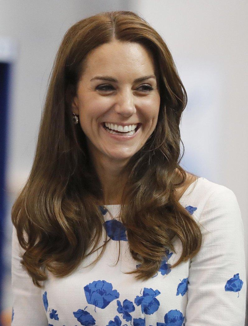 Ist Herzogin Kate schwanger? Das sagt sie selbst zu den Gerüchten.  © picture alliance / Photoshot