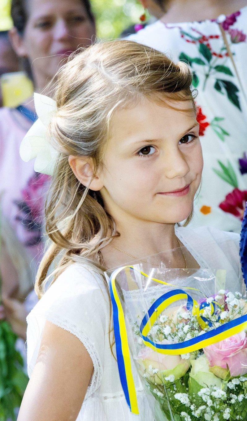 Unfall im Neujahrsurlaub: Prinzessin Estelle stürzte beim Skifahren und brach sich das Bein.  © picture alliance/RoyalPress Europe