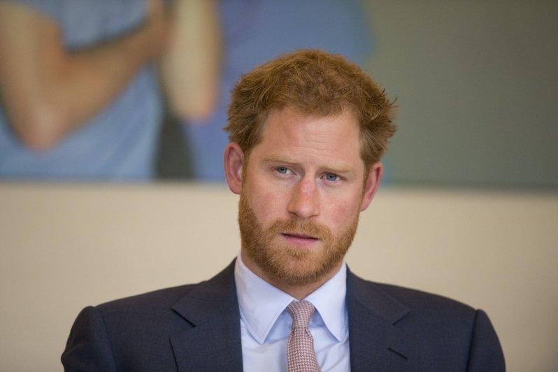 """Prinz Harry wurde von der """"Mail on Sunday"""" kritisiert, weil er Fotos von Wildtieren absichtlich zugeschnitten habe, um die Wahrheit zu verschleiern. Der Royal wollte die Vorwürfe aber nicht auf sich sitzen lassen und reichte Beschwerde ein.  © picture alliance / AP Photo"""
