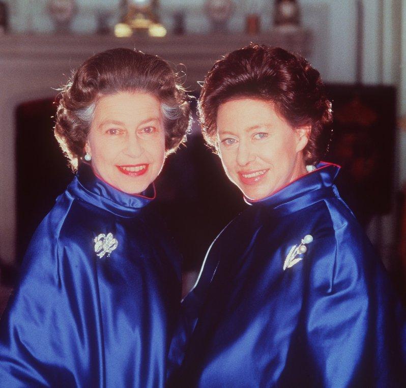 Queen Elizabeth und Prinzessin Margaret hatten ihre Differenzen. Doch sie standen sich auch sehr nah. © dpa - Fotoreport