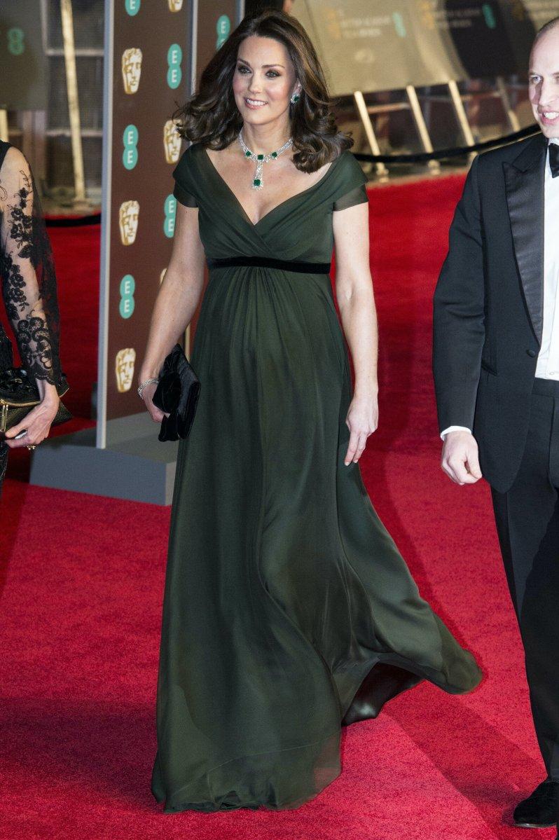 Die Welt Rätsel bis heute: Hatte Kates BAFTA-Outfit eine geheime Botschaft?  © picture alliance/ZUMA Press