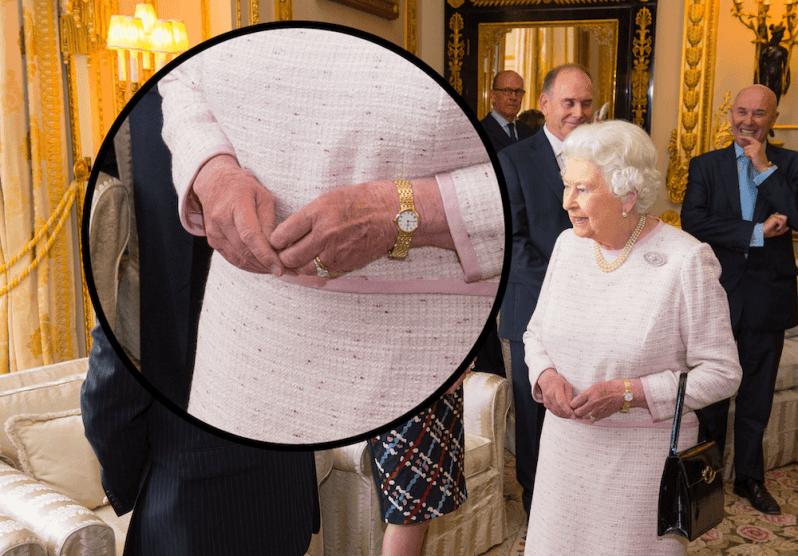 Da Queen Elizabeth meistens Handschuhe trägt, kann man nur selten einen Blick auf ihren wertvollen Verlobungsring erhaschen. © picture alliance / Photoshot