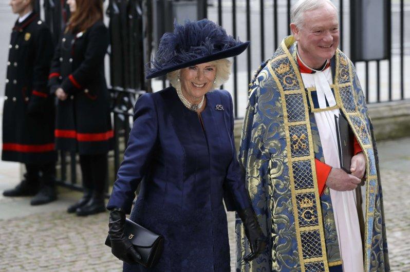 Herzogin Camilla schoss mit ihrem Hut am heutigen Tag den Vogel ab.  © picture alliance/AP Photo