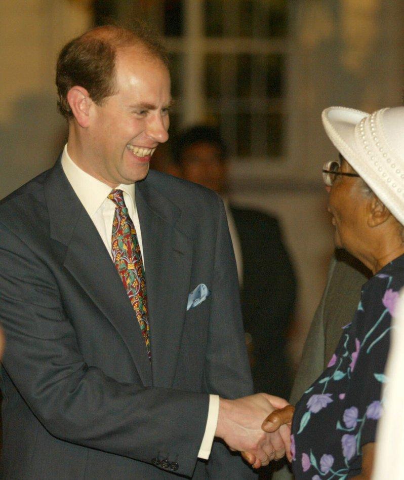 Wenn es um Krawatten geht, ist der Royal der Paradiesvogel im britischen Königshaus. © picture alliance / AP Images