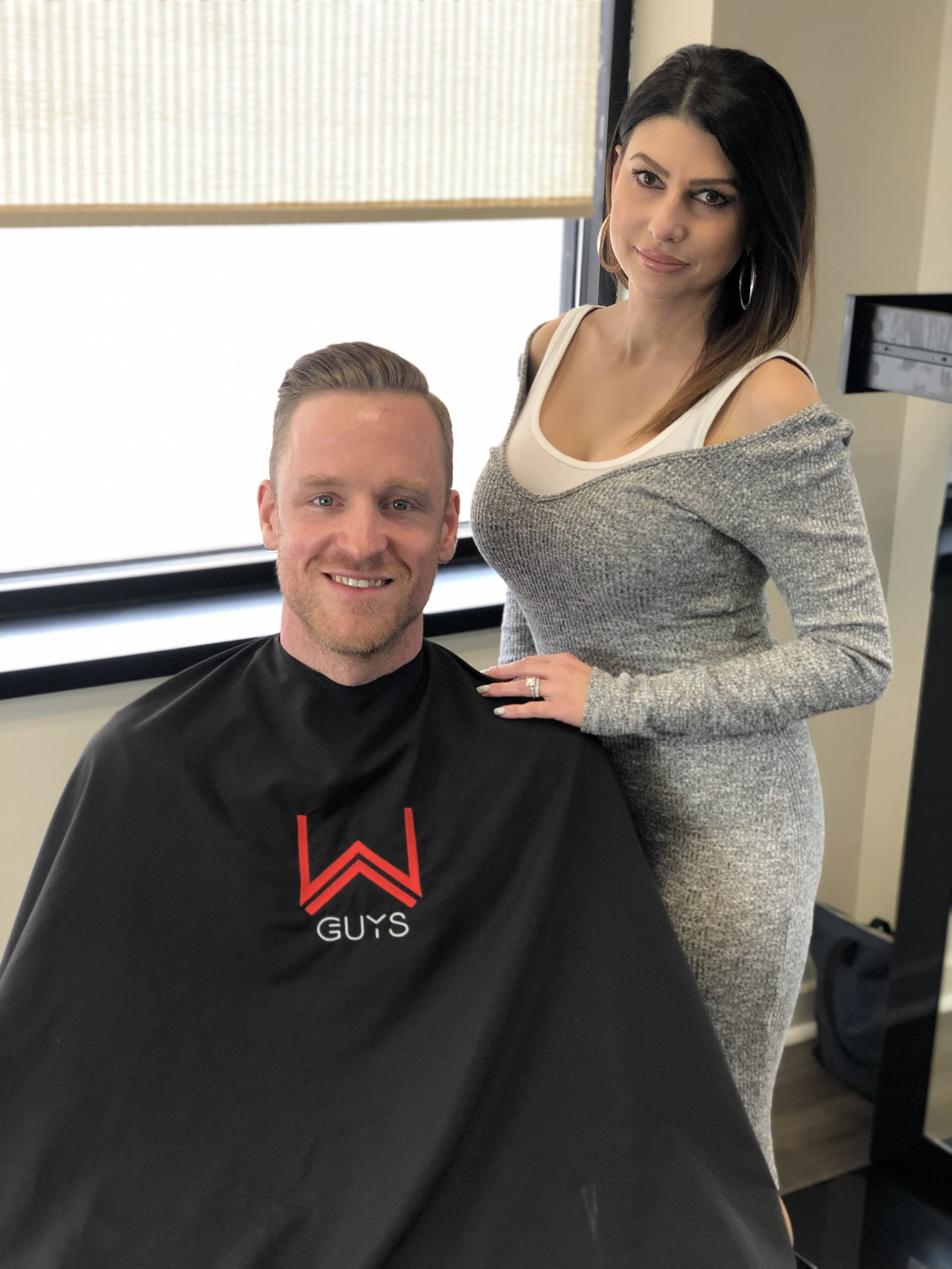 Salons Hiring Near Me : salons, hiring, Men's, Modern, Barber, Salon, Expert's, Barbering, Cutting., Trained, Barbering,, Straight, Razor, Shave's,, Haircuts, Hairstyle, Color, Upscale