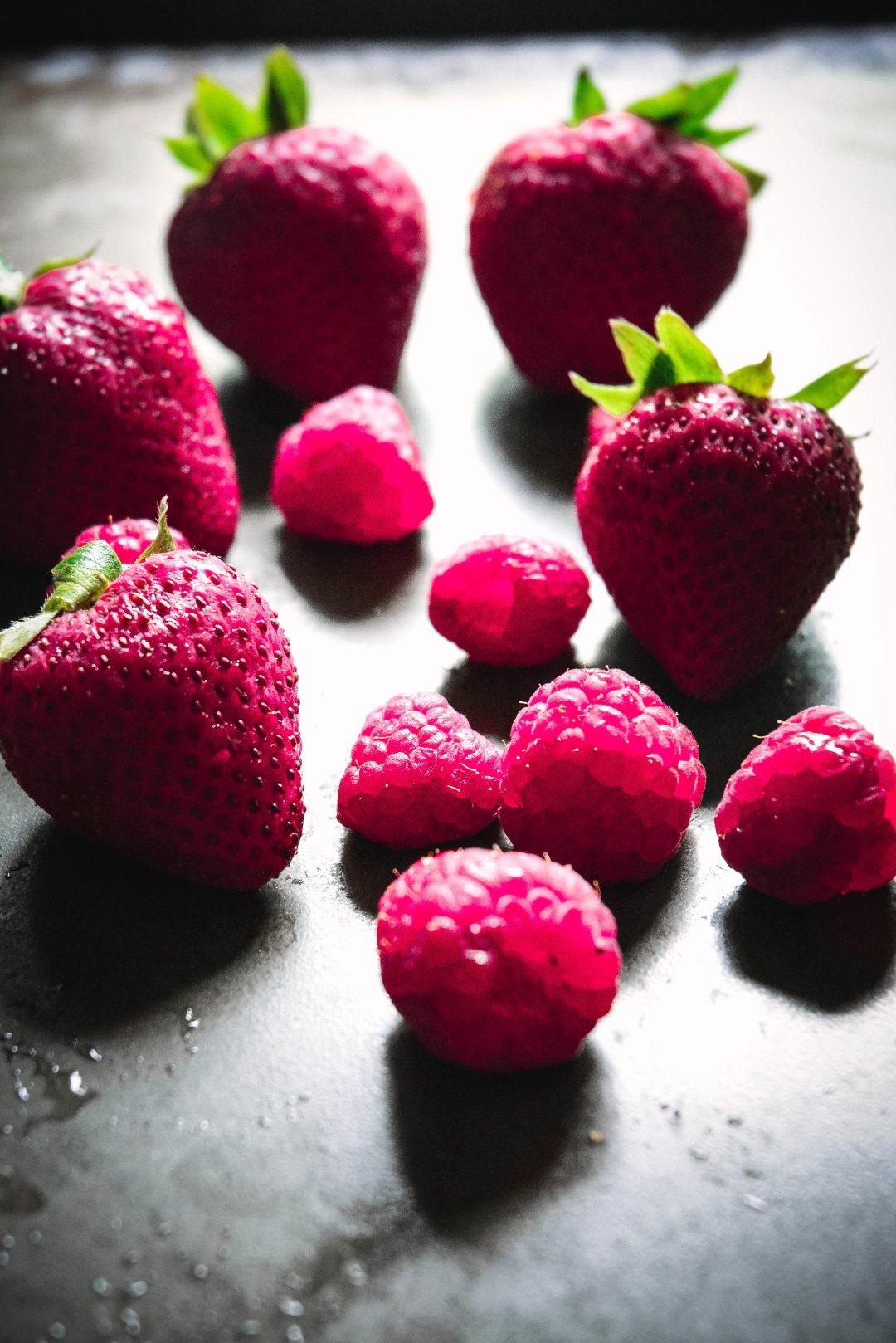 Paleo No-Churn Strawberry Ice Cream