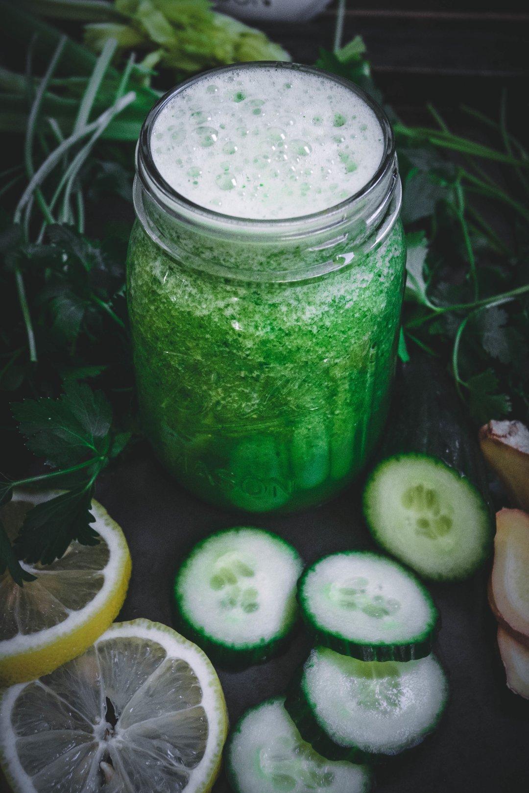 cilantro, cucumber, parsley, ginger, lemon and celery smoothie