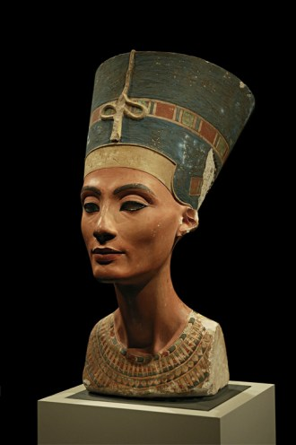 A bust if Nefertiti in Neues Museum, Berlin.  By Arkadiy Etumyan - Own work, CC BY-SA 3.0,  Licence