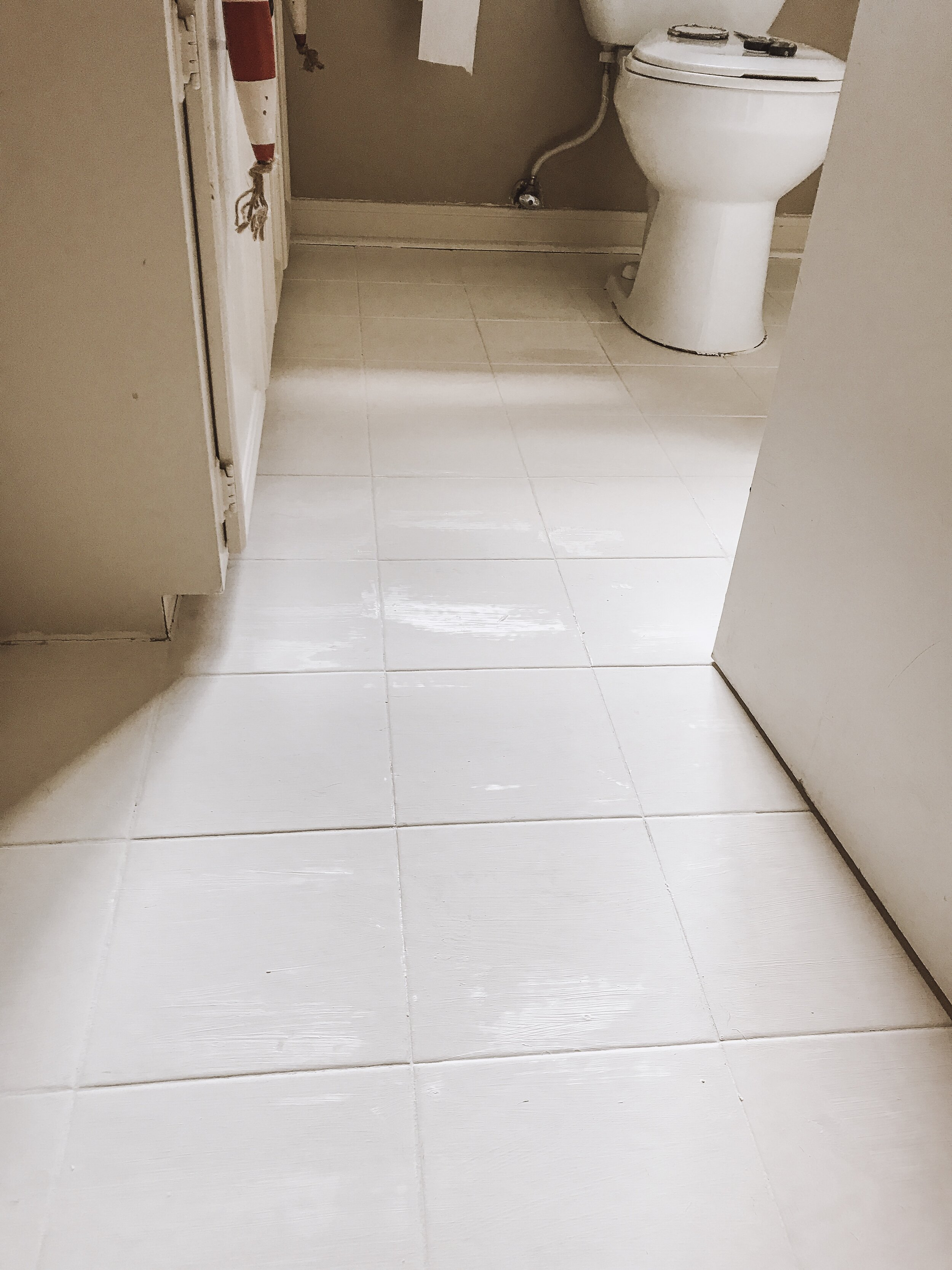 how to stencil your bathroom floor with