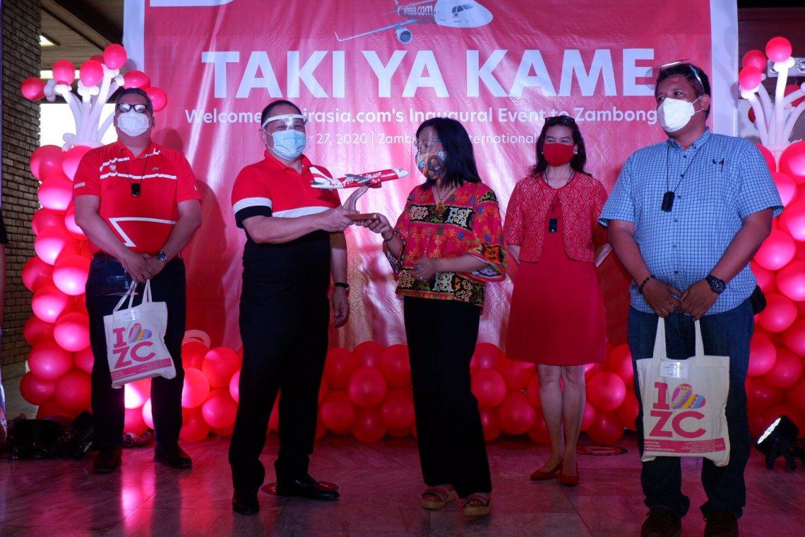 (L-R:) AirAsia Philippines Chairman of the Board Atty. Jomar Castillo, AirAsia Philippines CEO Ricky Isla with  Zamboanga City Mayor Hon. Beng Climaco-Salazar, Department of Tourism Assistant Secretary Myra Paz Abubakar, and Zamboanga City Vice Mayor Hon. Rommel Agan