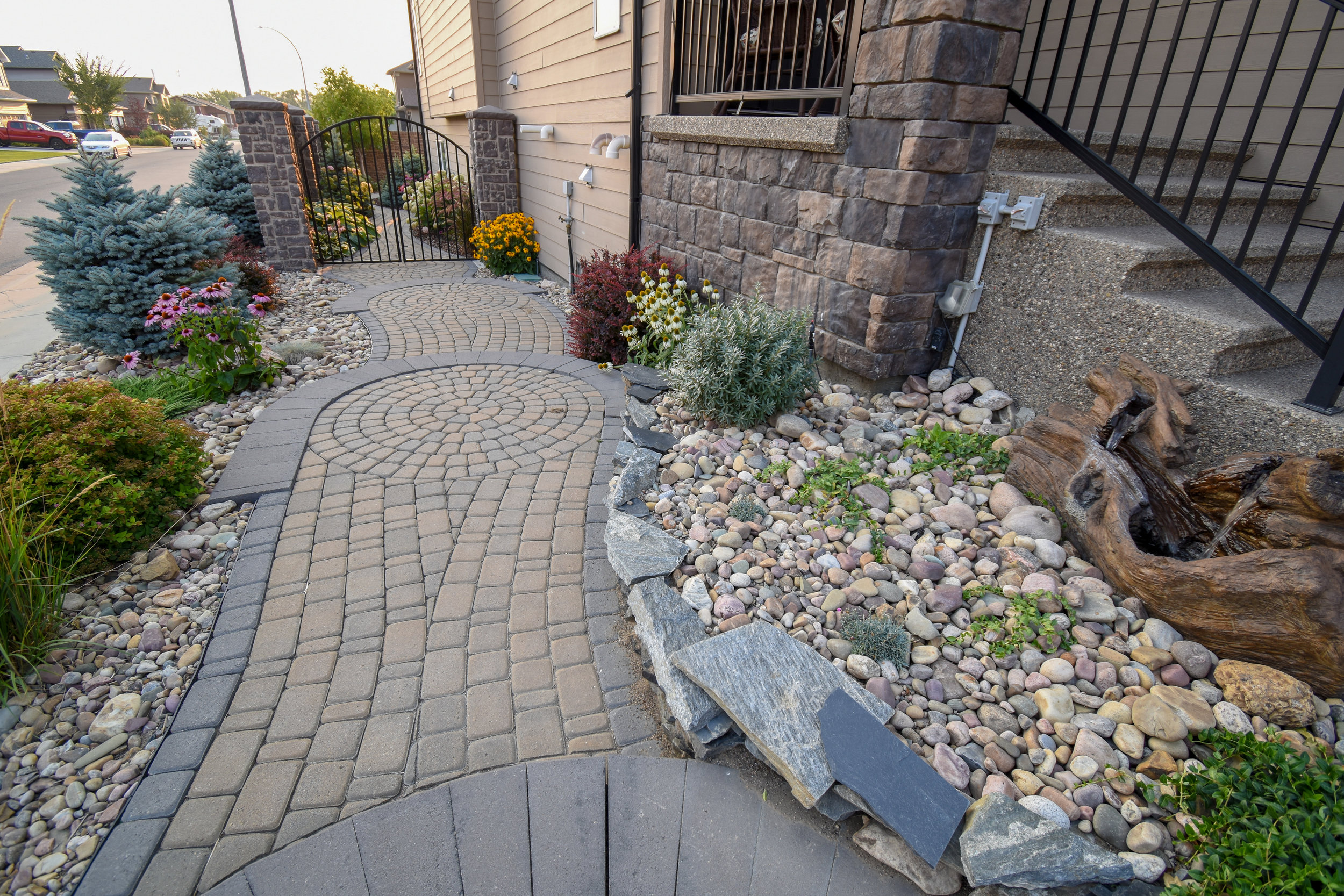 a 6 step guide to laying paving stones