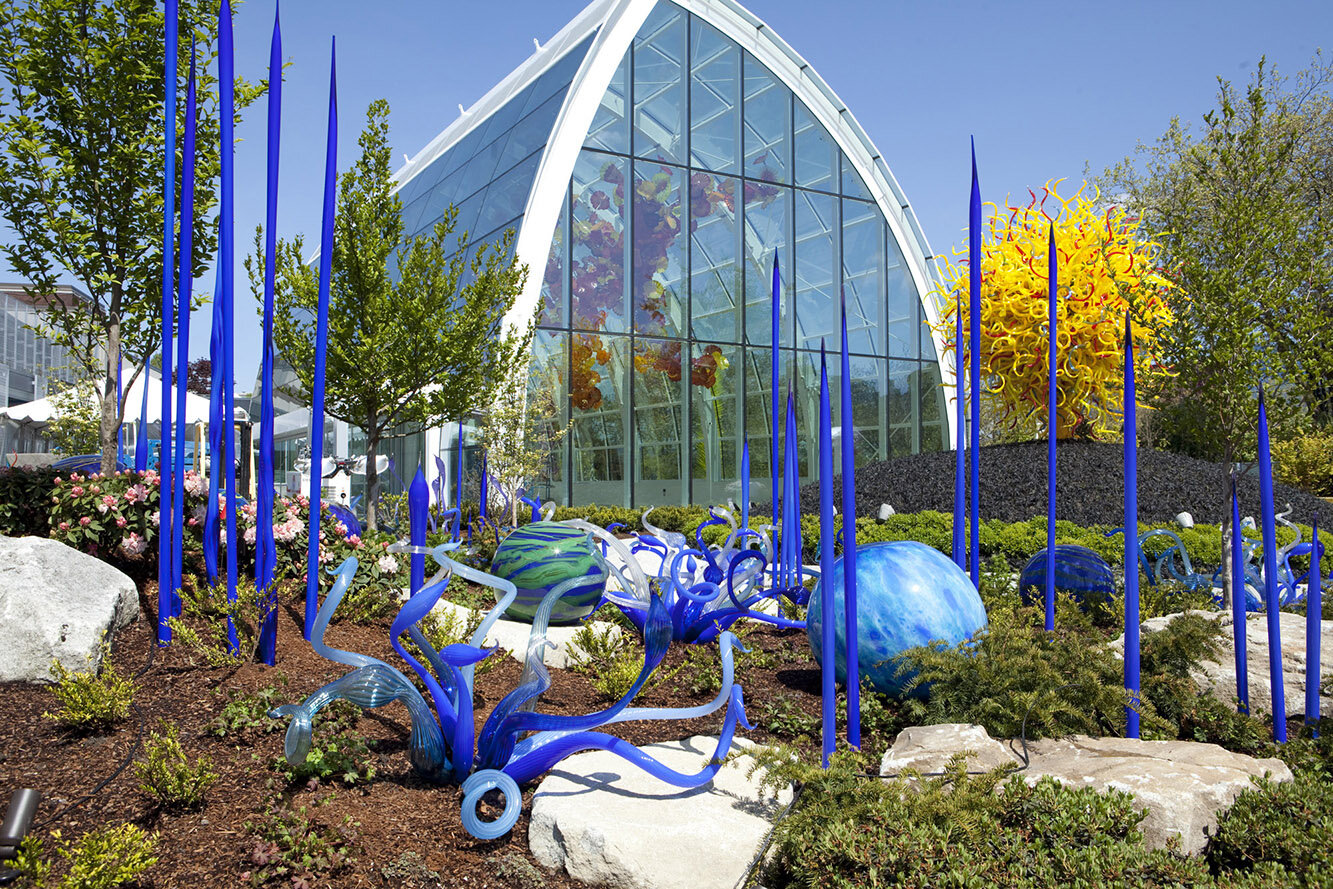 With eight galleries, a glasshouse and a garden, the exhibition is sure to. It All Starts With Art In The Chihuly Glass House Feb 29 Youth In Focus