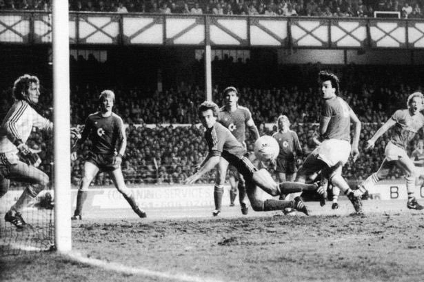 Everton vs. Bayern Munich, European Cup Winners' Cup semi-final 2nd leg, 1985. Sharp scores as Gray looks on.