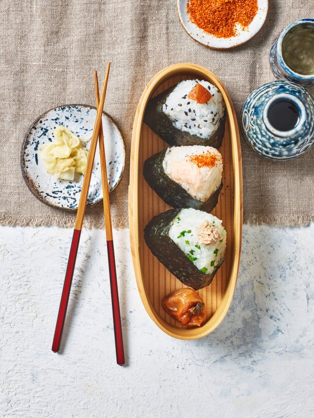 How to Make Onigiri - 26 Recipes