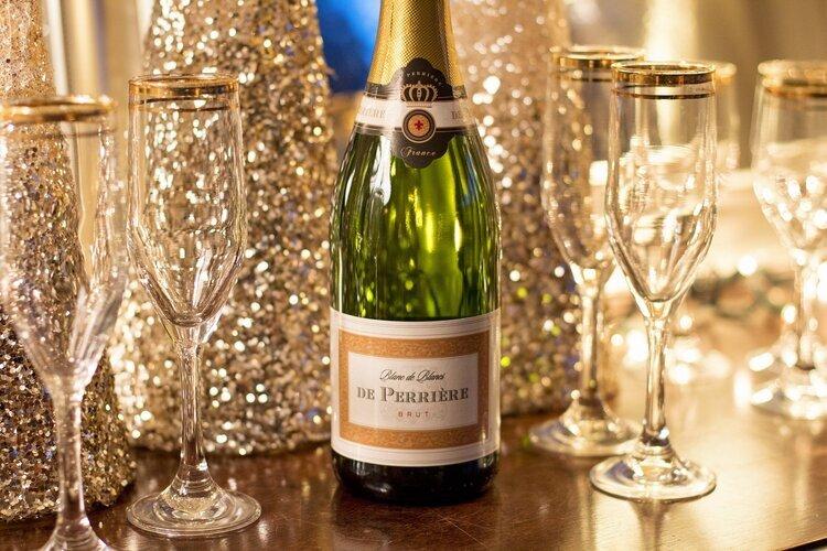 champagne-3011490_1920.jpg
