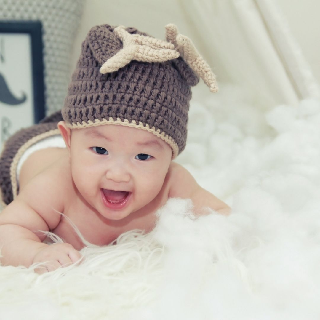 Cute playing baby WhatsApp Dp Image full HD free download.