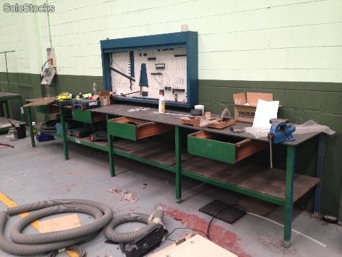 Armario de herramientas pared heco