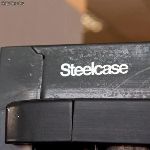 Armario metlico con puertas de persiana de steelcase