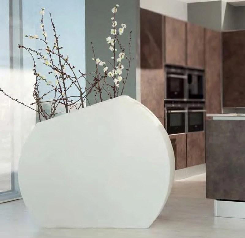 Questa tipologia di vasi può essere sia da interni che da esterni. Vaso Arredo Hotel Ambienti Interni Ed Esterni
