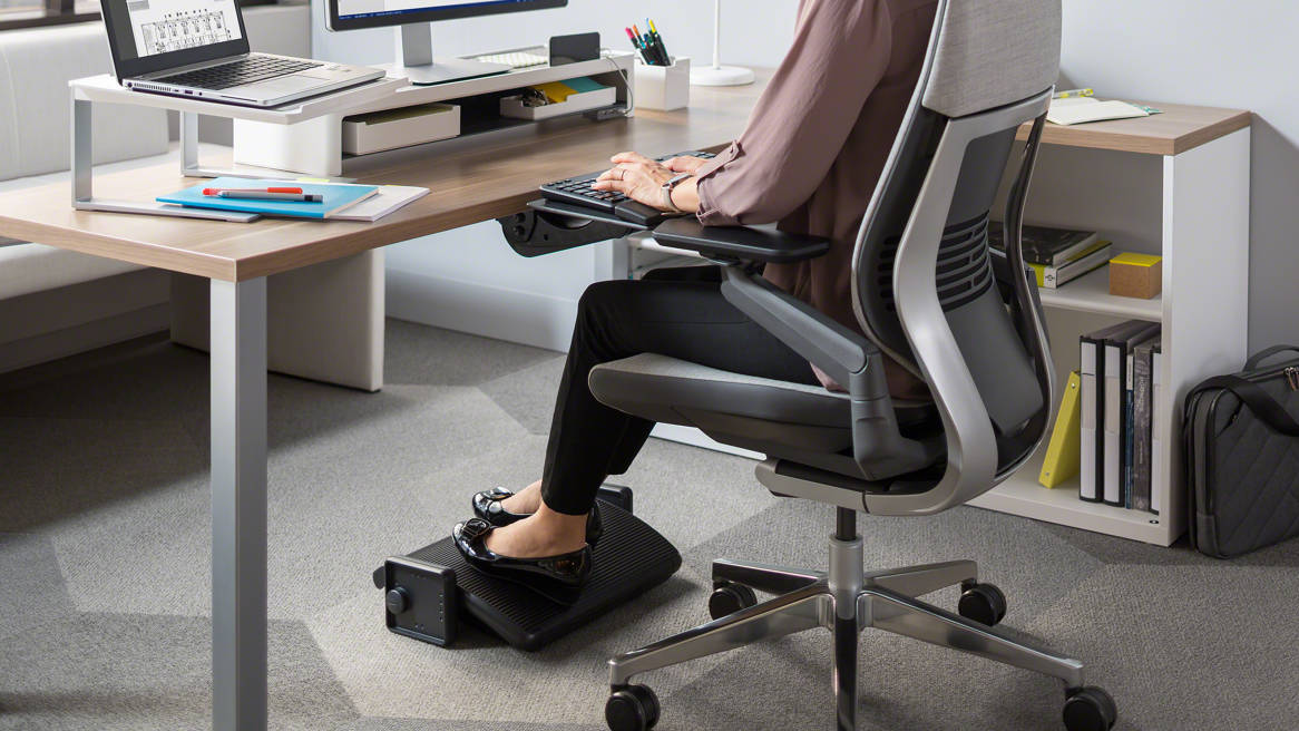 ergonomic chair with footrest small drop leaf table and chairs desk foot rest top car reviews 2019 2020 support steelcase