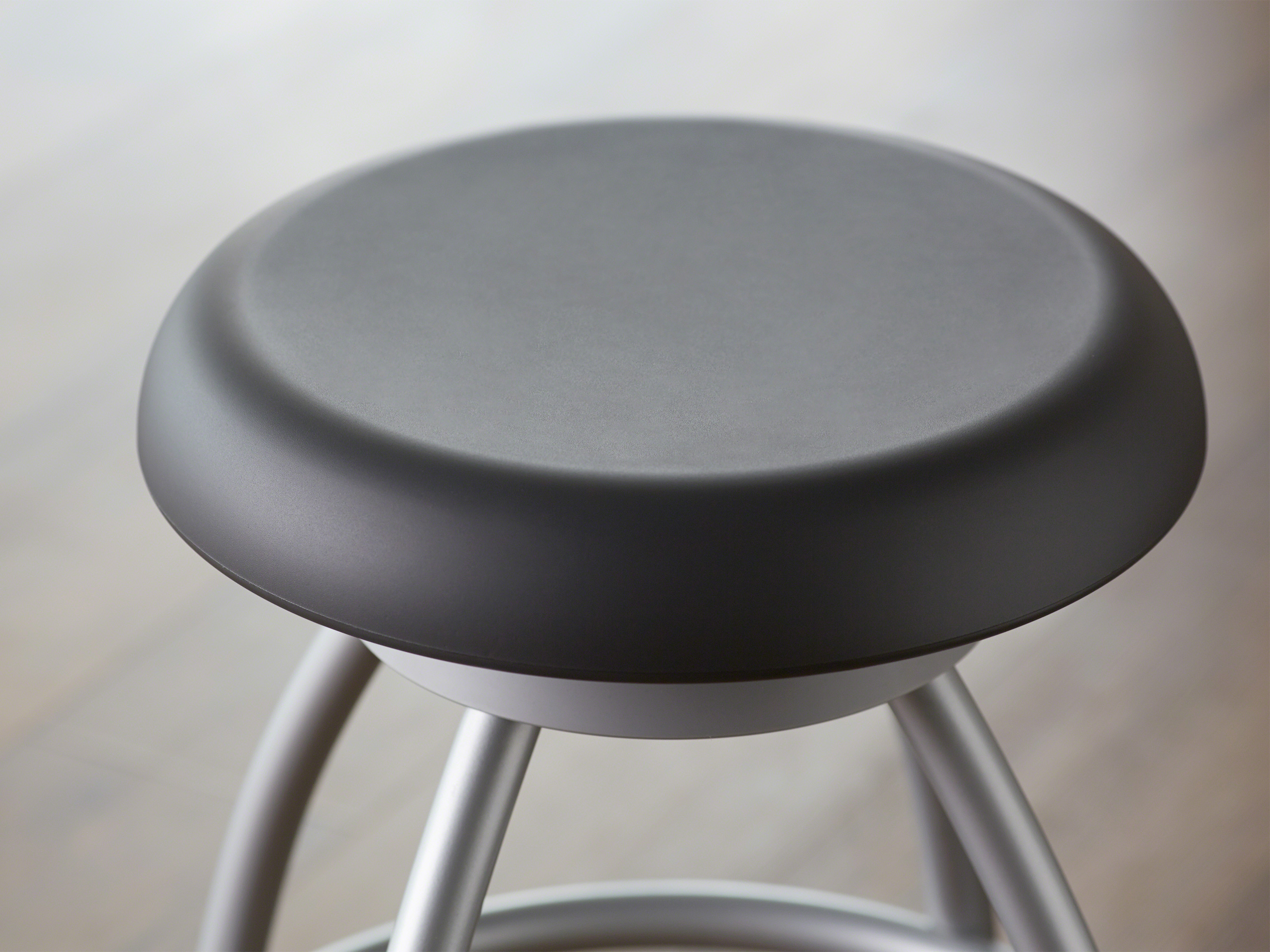 steelcase classroom chairs chalk table and media -
