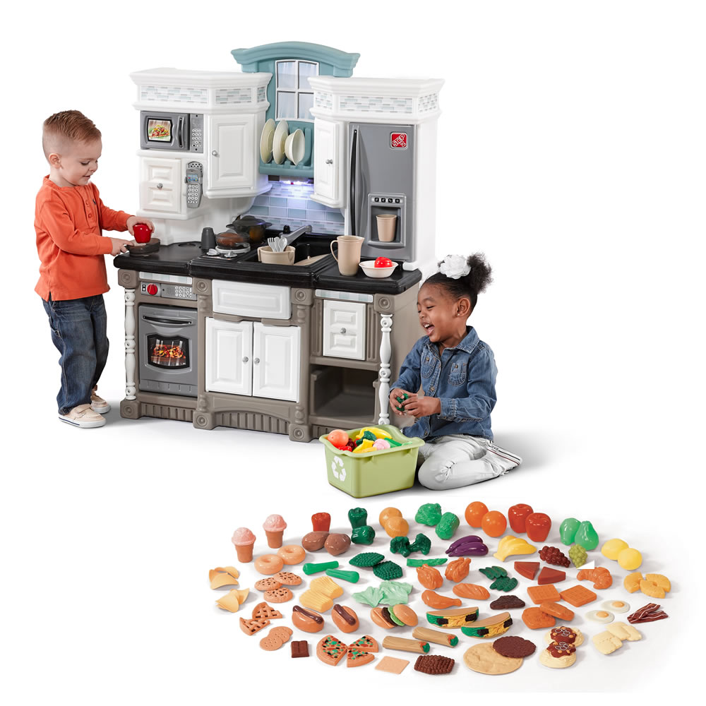 Dream Kitchen with Extra Play Food Set  Step2