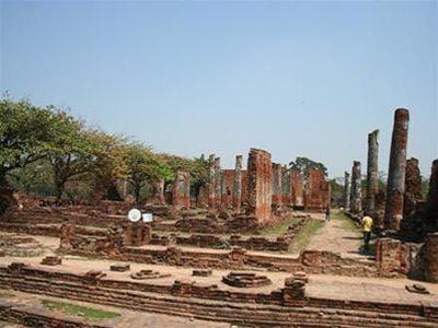 Cố cung hoang tàn đổ nát của Ayutthaya