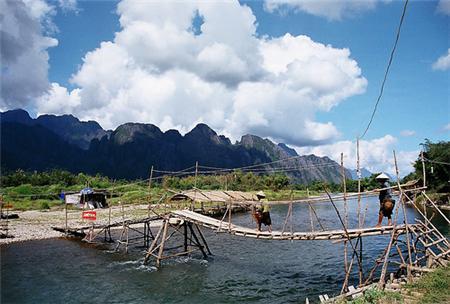 Vang Vieng - Thiên đường của trò chơi mạo hiểm