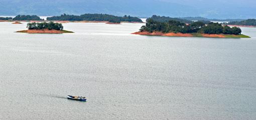 Hồ Nậm Ngừm