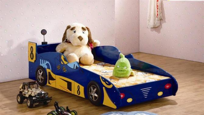 Phòng bé trai cá tính với giường xe ô tô - Archi
