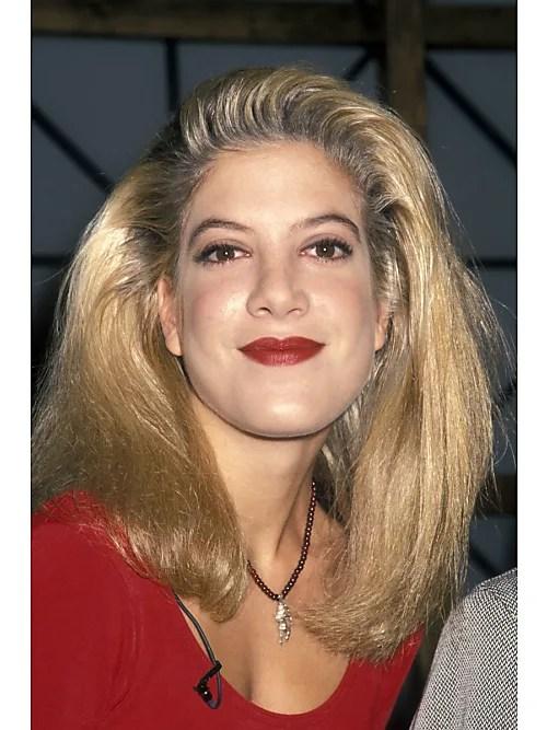 Der Swoosh Hairstyle Die Trend Frisur Der 90er Ist Wieder Da
