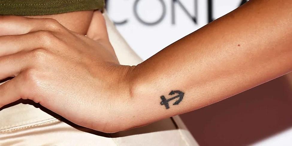 Kreuz Tattoos Top 153 Designs Und Artwork Für Die Beste
