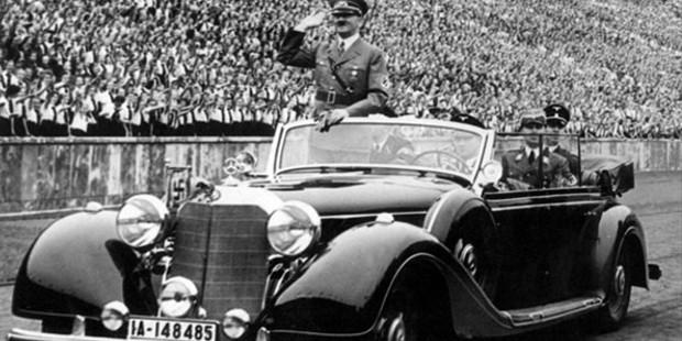 Hitler in Merceds