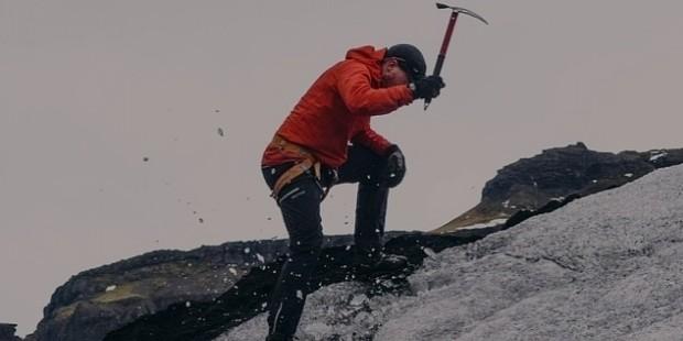 mountain climbing 802099