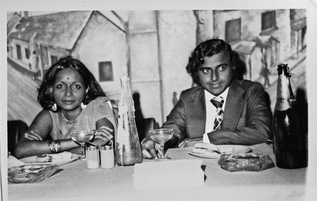 Vera Mindy Chokalingam Profile Photos SuccessStory