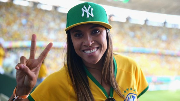 Brothers Wallpapers With Quotes Ronaldinho Family Mother Wife Son Successstory