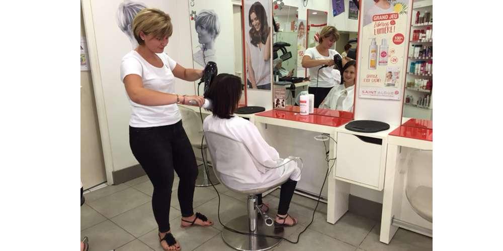 Les salons de coiffure Saint Algue et Coiff  Co dmnagent  PubliInfo  Sud Ouestfr