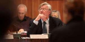 Didier Quentin double son indemnité de maire