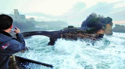 Côte basque : des vagues de 8 mètres attendues jeudi