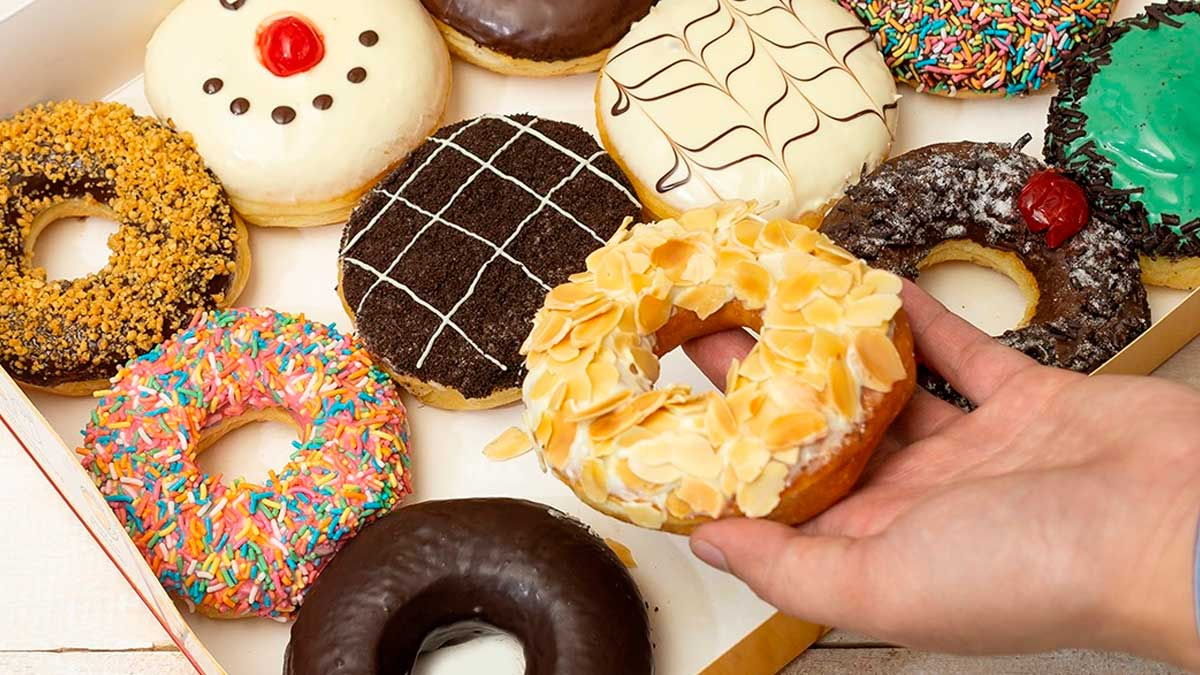 You Can Get 2 Dozen J.Co Donuts For Only P500 On March 12-13