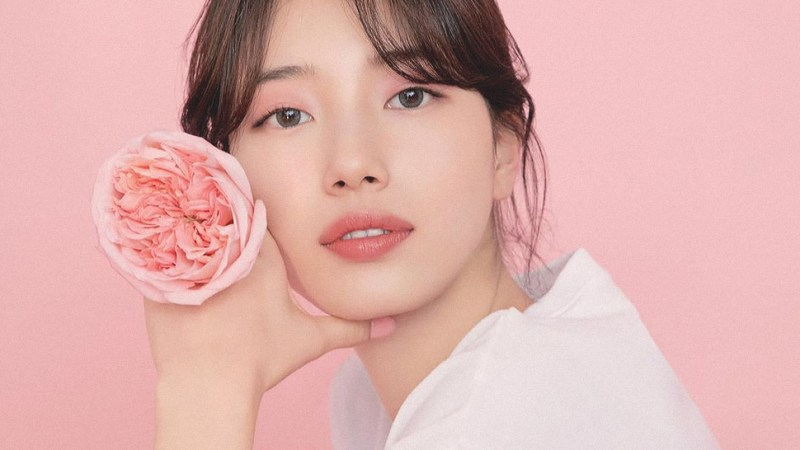 The Exact Makeup Products Suzy Bae Wore