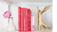 4 Ways to Accessorize Your Bookshelf | RL