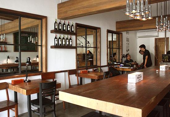 runners kitchen backsplash patterns new restaurant alert runner s at tomas morato avenue share