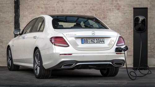 small resolution of mercedes benz now has a diesel hybrid version of the e class