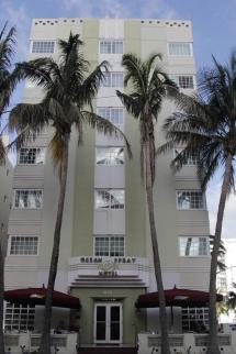 Ocean Spray Hotel Miami Beach Usa. Book