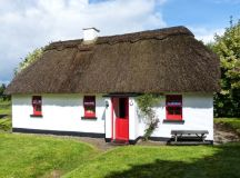 No. 7 Tipperary Thatched Cottages | Puckane, County ...